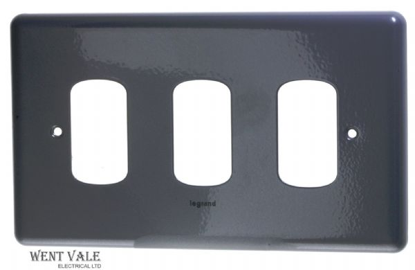 Legrand Synergy - 7339 94 - Metalclad Four Module Switch Plate New